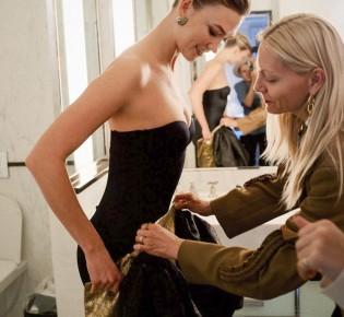 Красота требует жертв: знаменитости, улучшающие фигуру с помощью утягивающего белья