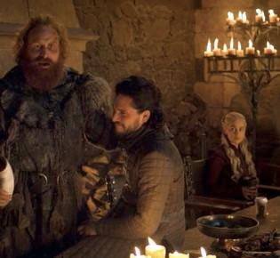 История стаканчика «Старбакс», который попал в кадр сериала «Игра престолов»