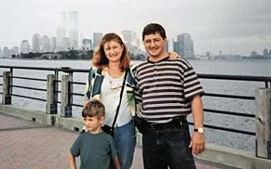 Александр Мясников с женой и сыном