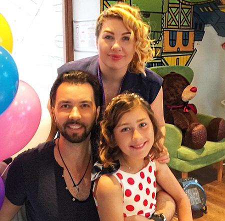 Ева Польна с Денисом Клявером и их общей дочерью