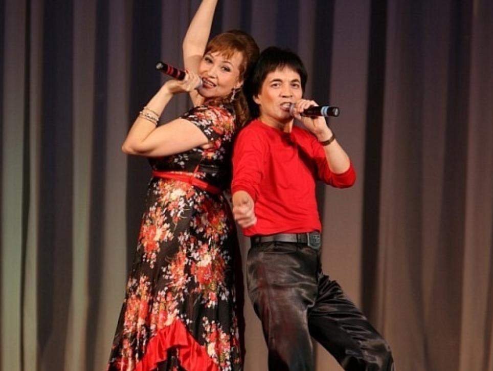 азалия рашитова с мужем на сцене