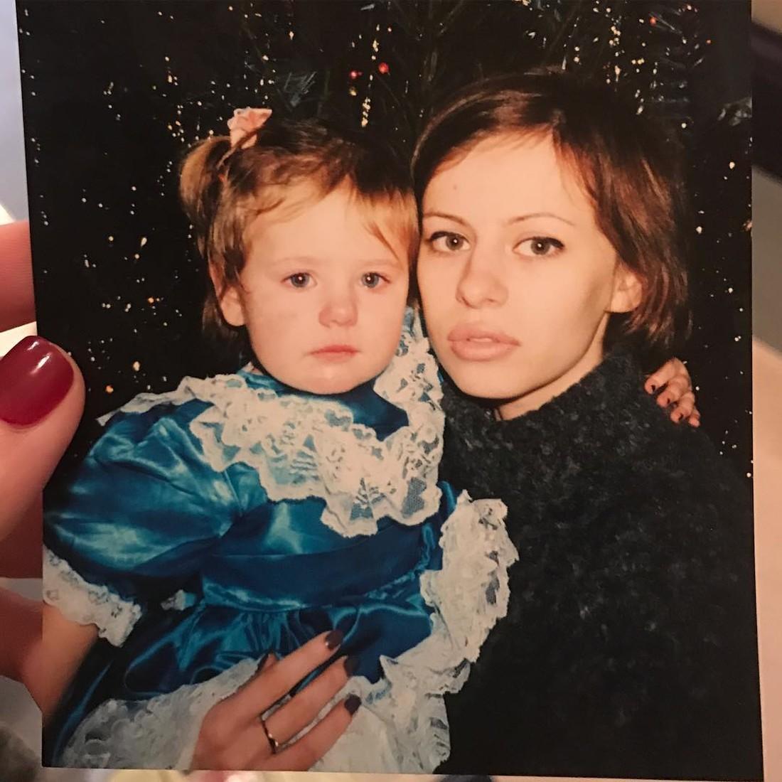 Оксана Лаврентьева с дочкой