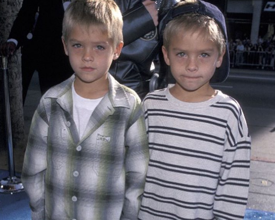 Коул Спроус в детстве с братом