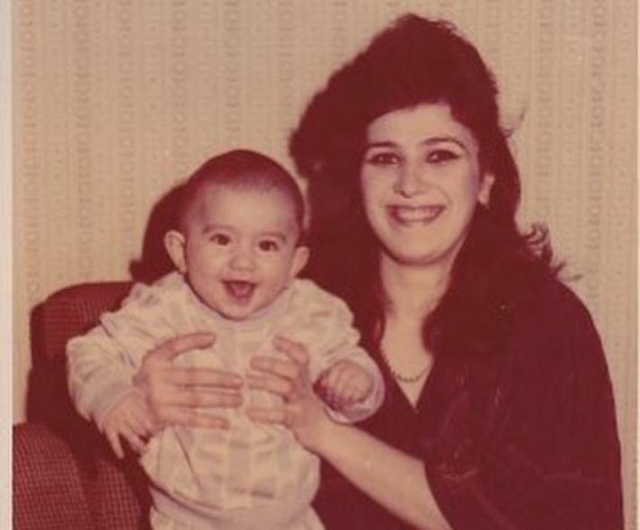 HammAli в детстве с мамой