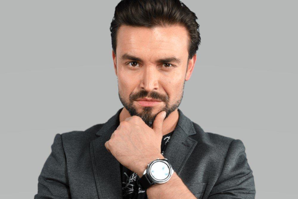 Биография победителя Голос Петра Захарова