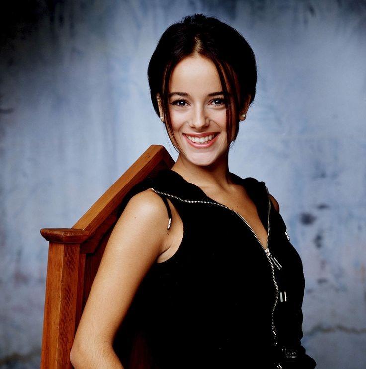 Очаровательная и красивая французская певица Alizee