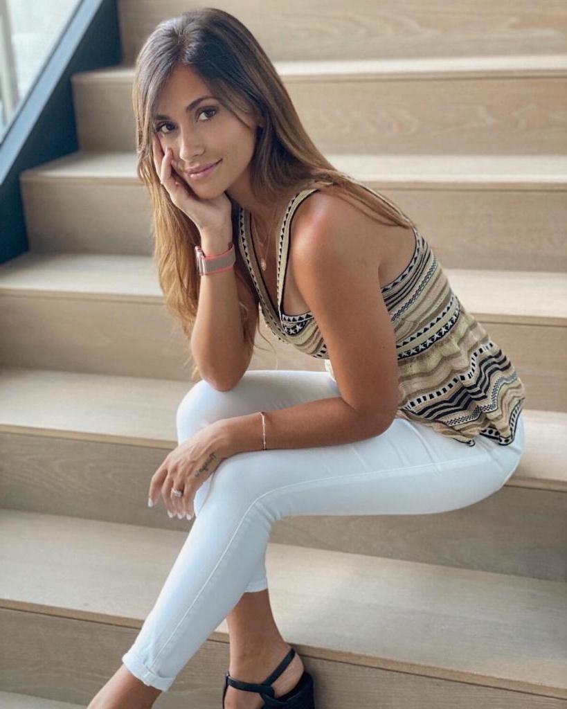 Стройная, красивая и скромная: как выглядит супруга футболиста Месси, подарившая ему троих сыновей