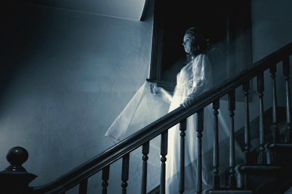 Кто из знаменитостей верит в существование привидений